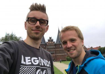 Lübeck: FOM mit Julian Lauenroth vor dem Holstentor